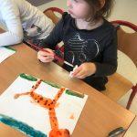 malowanie, wycinanie, wykonanie pracy plastycznej